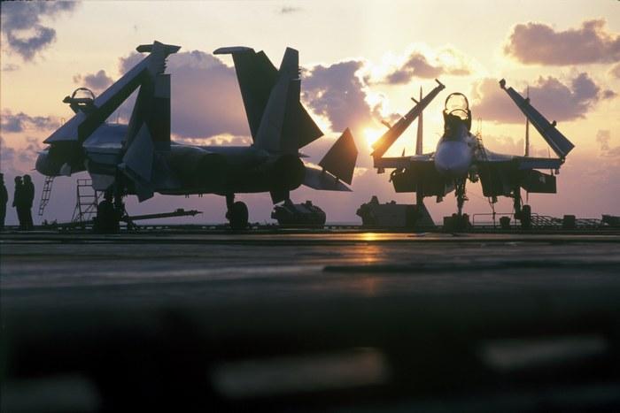 Су-33 отдыхают перед работой