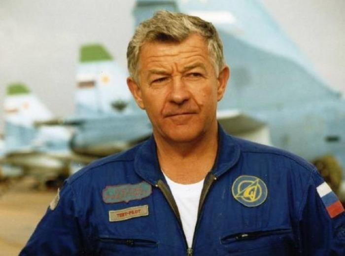 Виктор Пугачев - Заслуженный летчик - испытатель СССР
