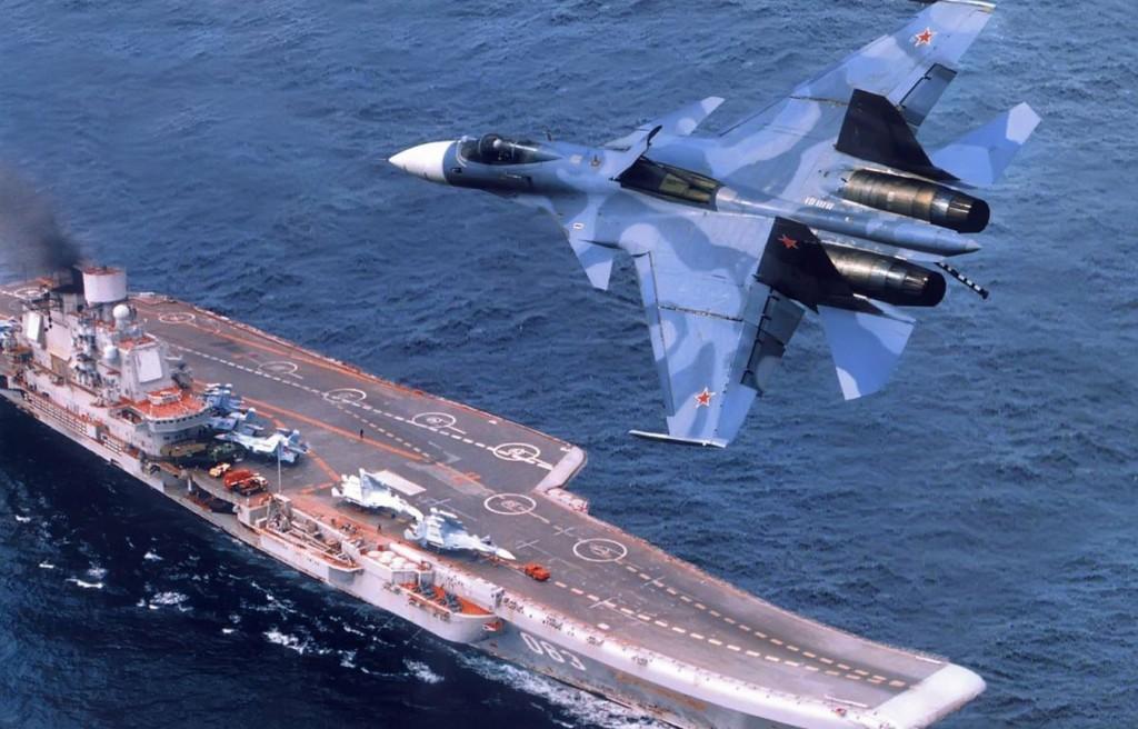 """Су 33 на облете ТАКР """"Адмирал Кузнецов"""""""