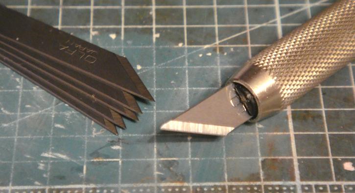 Модельный нож