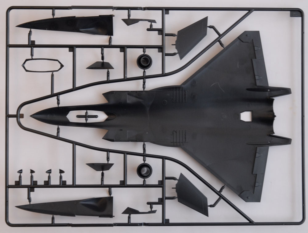 J-20 Mighty Dragon 1/72 Trumpeter