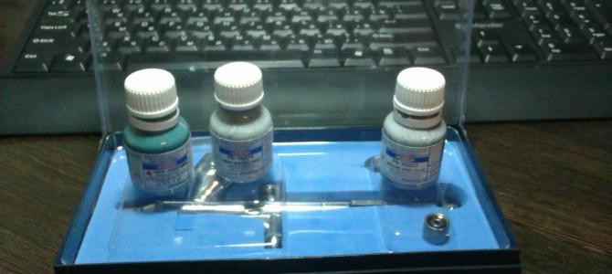 Чем нужно разбавлять акрил-латексные краски Акан под аэрограф