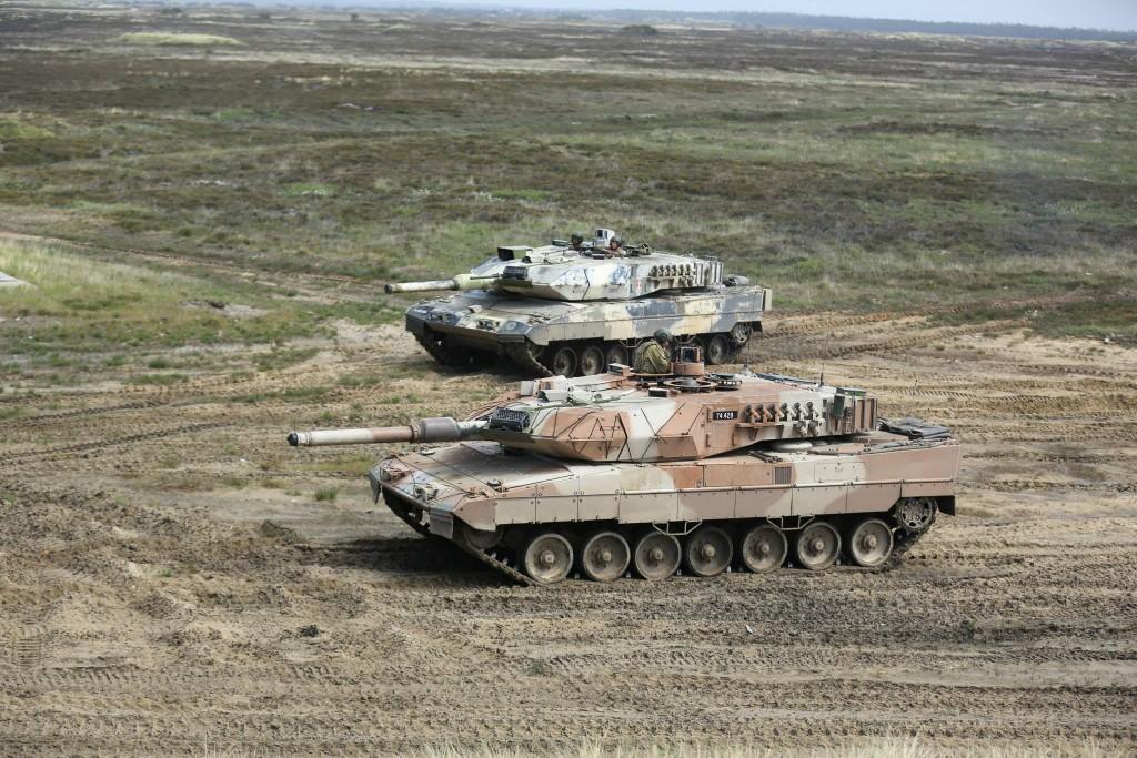 Танк Danish Leopard 2A5DK: 82405: 1/35: Hobby Boss: