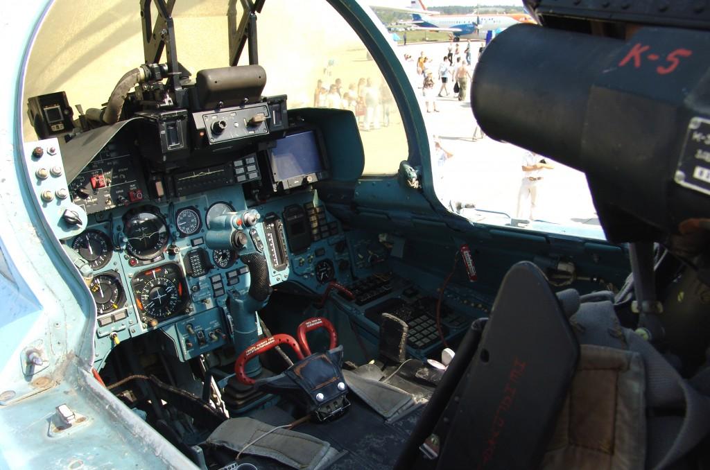 cockpit_of_sukhoi_su-33_2