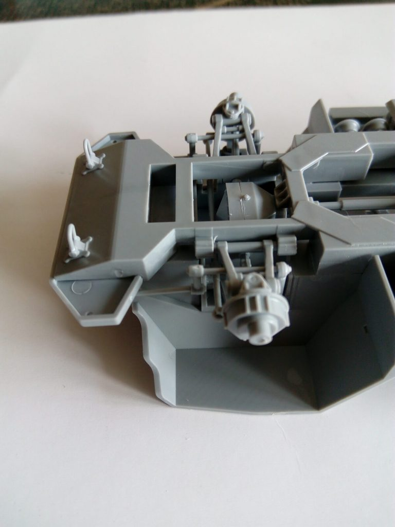 "Бронеавтомобиль Газ-233014 ""Тигр"": 3668: 1/35: Звезда: Шаг 1"