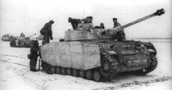 Немецкий средний танк T-IV (H) 3620 1-35 Звезда
