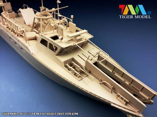 Штурмовой катер Combat Boat 90: 6290: 1/35: Tiger Model