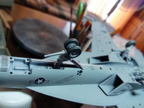 F/A-18E VFA-143 «Pukin Dogs»: 1/72: Academy: Сборка модели