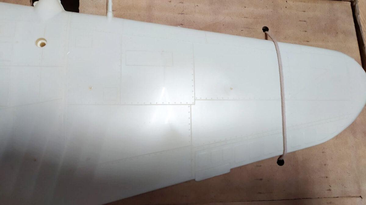 Кордовая летающая модель штурмовика Ил-2 с авиамодельным компрессионным двигателем МК-17